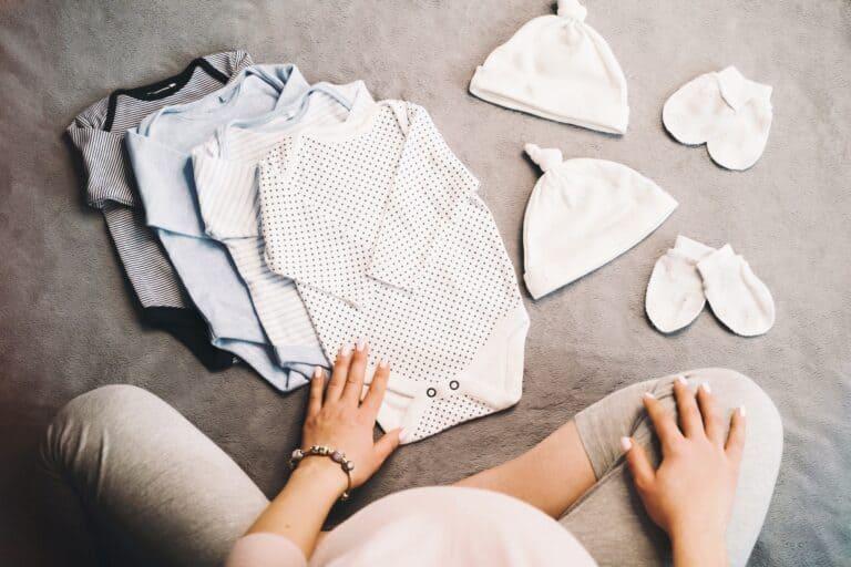 Erstausstattung für das Baby mit Checkliste